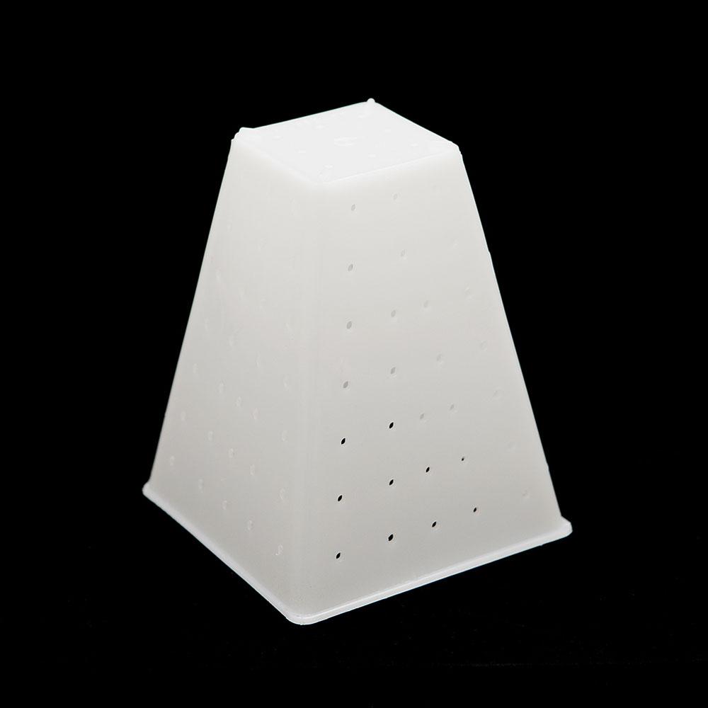 Pyramid form -- LARGE
